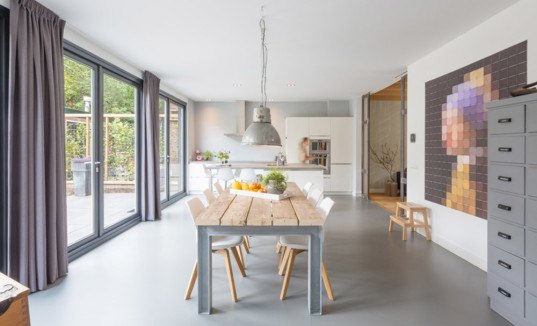 BYTR architects, green renovation, home extension, green architecture, The Netherlands, Dutch architects, anthracite, gable roofs, mansard roofs, wooden structure