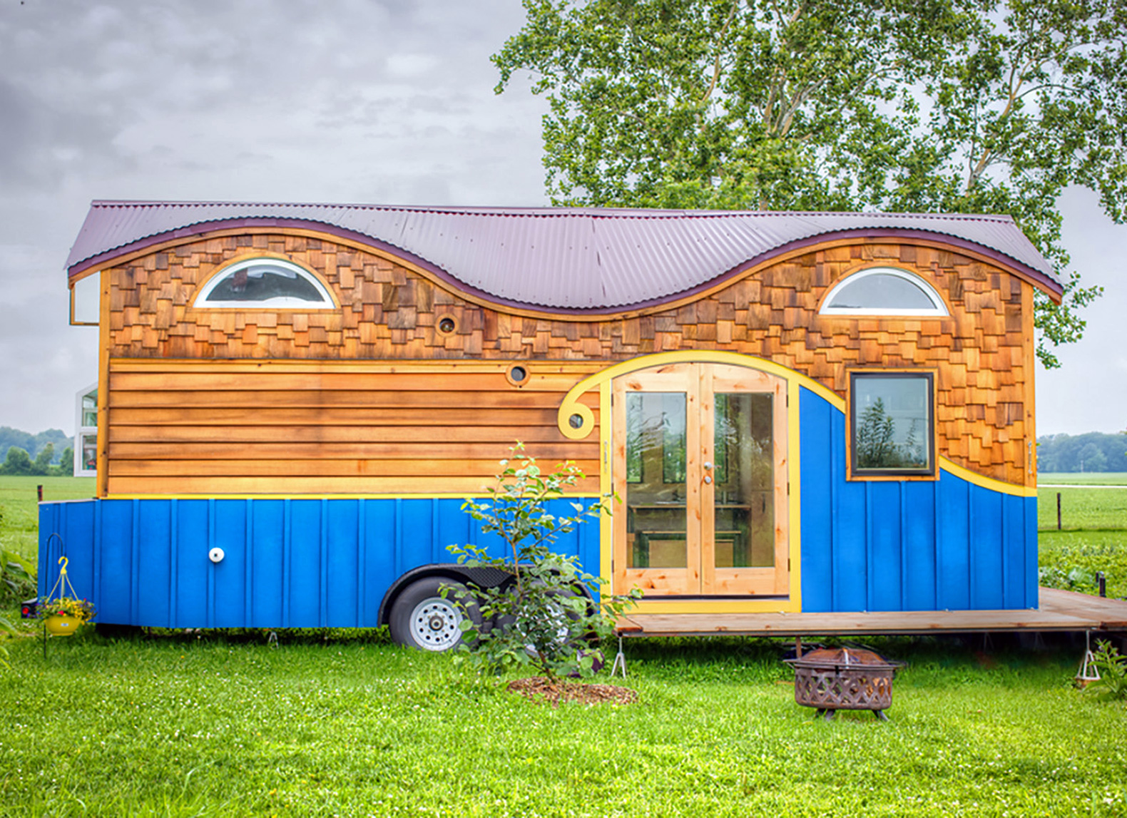 Amazing Wood Pequod Caravan Comfortably Fits A Family Of Four