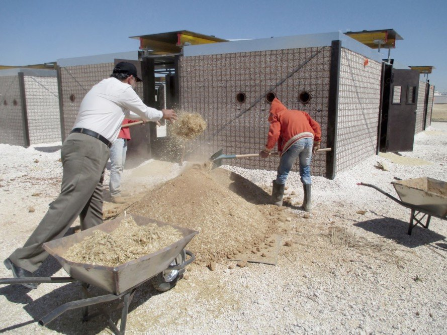 Revolutionary construction system builds low cost syrian for Cost of materials to build house