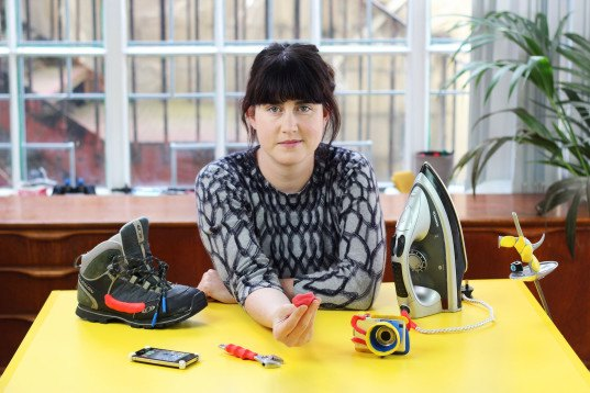Sugru founder,  Jane Ní Dhulchaointigh, Sugru, Sugru DIY, DIY home improvement, DIY projects, green alternative to hot glue gun, green alternative to super glue, green DIY projects, how to repair household items, moldable glue, Sugru glue, domestic ninja, DIY bike light mount, DIY bike projects, green home projects, eco-friendly DIY home projects, eco-friendly home improvement, eco-friendly home projects