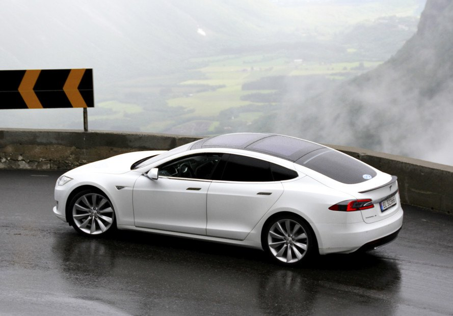 Tesla Ludicrous Mode Upgrade Takes The Model S From 0 60 In 2 8 Seconds