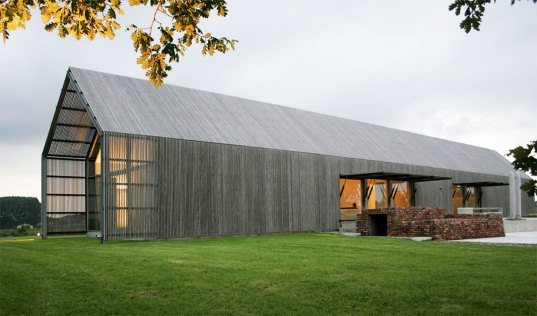 green renovation, barn conversions, green design, sustainable design, eco-design, barn conversion, barn renovation, BURO II, Flanders, Belgium, historic buildings