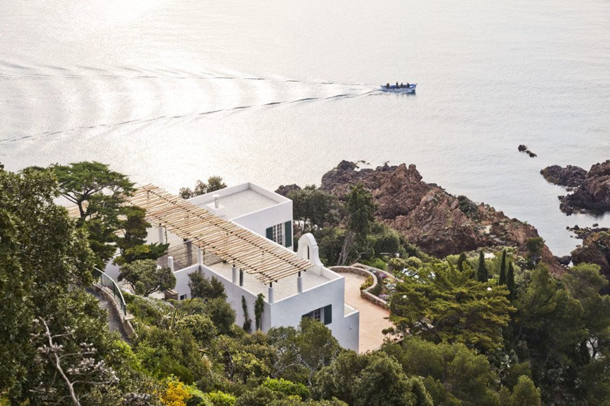 4a architekten transformed a 1926 barry dierks villa into an airy escape on the french riviera