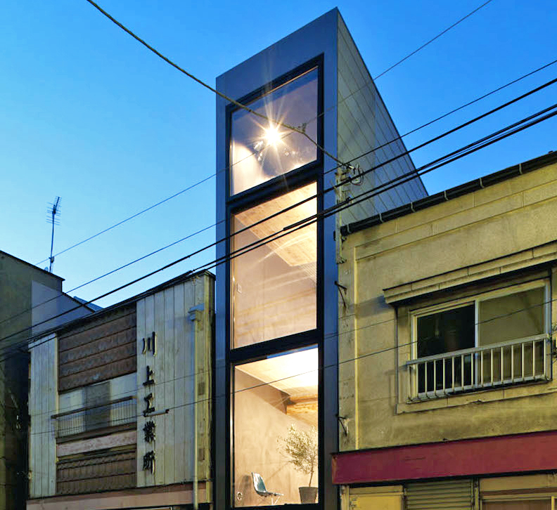 Super skinny 1.8m-Width House slots into a narrow Tokyo lot ... on tall skinny building in japan, houses in tokyo japan, narrow house interior design, micro houses in japan, small apartment building in japan,