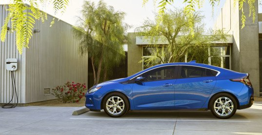 Chevrolet, Chevy, Chevy Volt, GM, General Motors, plug-in hybrid, hybrid, electric motor, lithium-ion battery, electric car, green car, green transporation