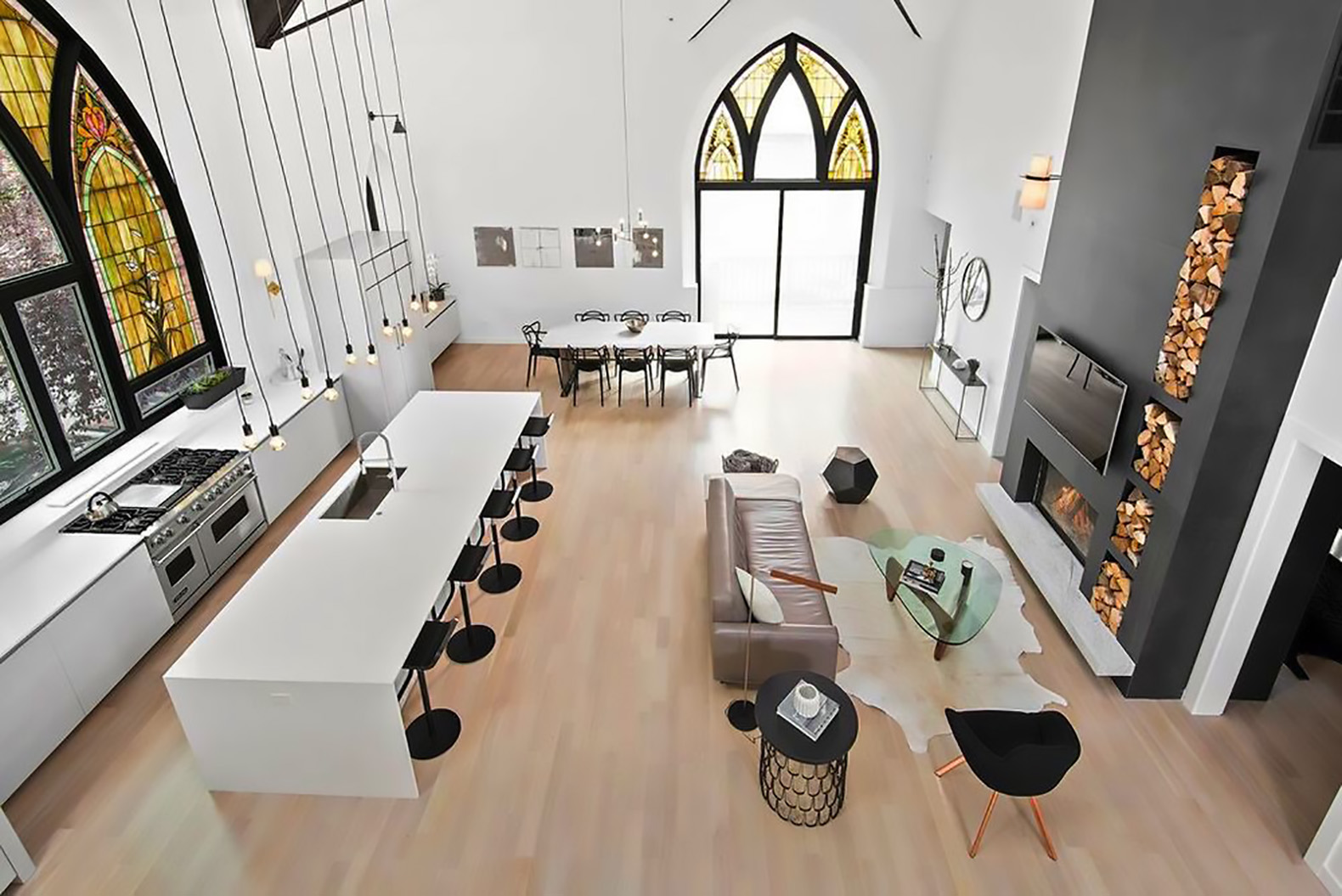 Majestic church is transformed into a gorgeous modern family home in Chicago