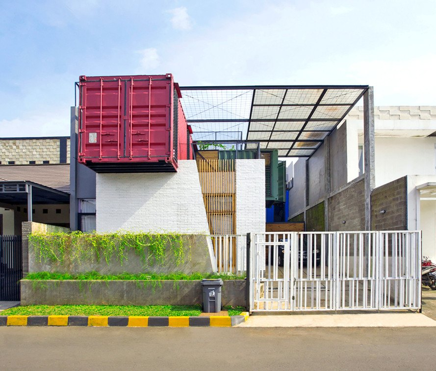 Atelier Riri uses 4 shipping containers to construct a charming ...