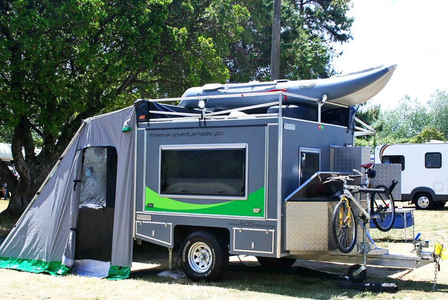 Tiny Home Designs: Travel Trailer Off The Grid