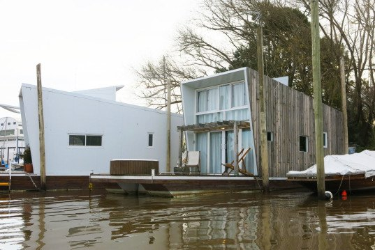 Fabian De Martino, Eco-Floating Village, Buenos Aires, first floating village in Argentina, Ana Lisa Alperovich, electric toilet, biodigester, outdoors Jacuzzi, Victoria Carrasco, Infinit, Yatch Club San Fernando, floating homes,