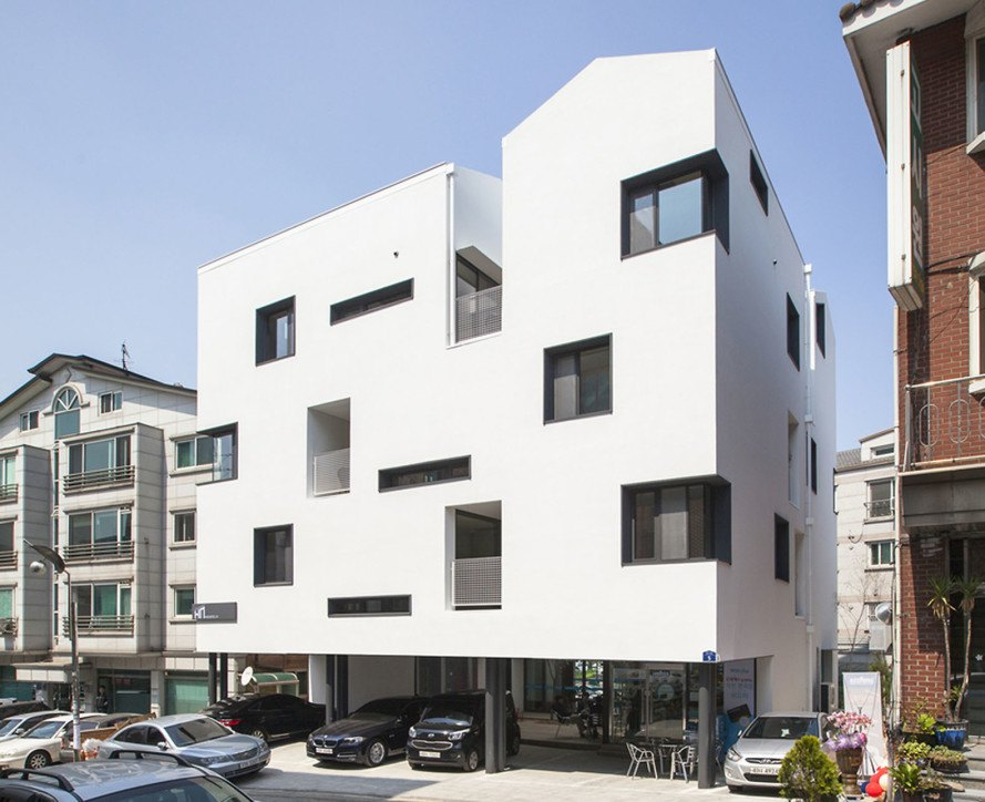 Architecte Gap archihood wxy's innovative gap house in seoul saves space with