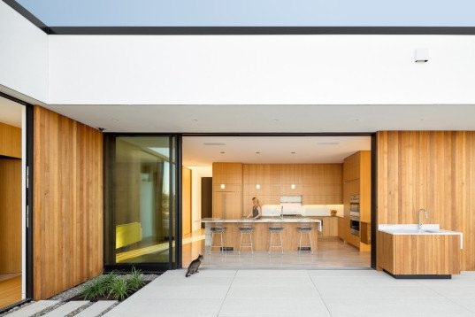 Ash + Ash, Hannebery Eddy, Portland architecture, eco-friendly architecture, LEED-certified home, residential architecture, eco-friendly design, groundwater collection, rainwater recovery, solar panels, solar heating