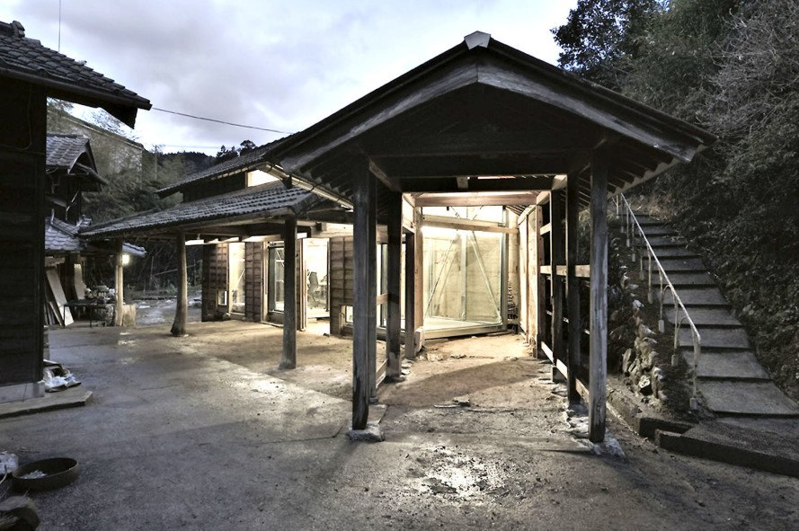 Old japan meets modern office design in this 100 year old for Renovating a 100 year old farmhouse