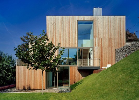 MVDRV, timber home, wooden house, wooden cladding, family home, Stuttgart, private residence, green interior, green architecture