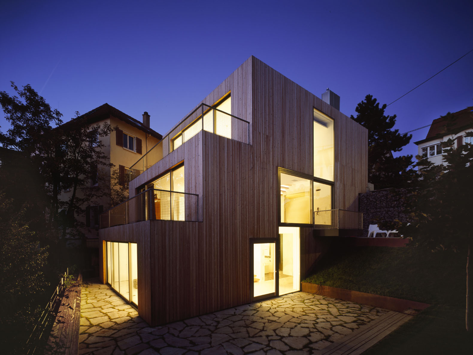 staggered timber clad haus am hang by mvrdv climbs a stuttgart slope like stairs mvrdv haus am. Black Bedroom Furniture Sets. Home Design Ideas