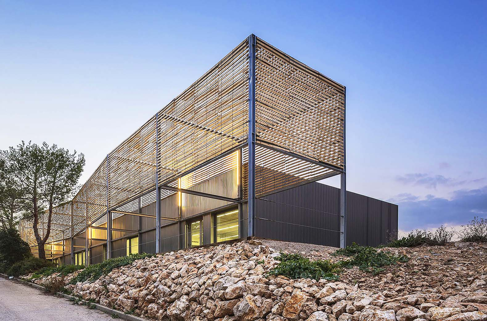 Steel Building Panels : Marseille s architecture school extension pan