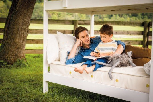 giveaway, mattress giveaway, 2 in 1 mattress, waterproof kids mattress, naturepedic, naturepedic big kid bed, organic mattress for kids, naturepedic 2 in 1 organic mattress, waterproof mattress for kids, green kids, eco kids, green design for kids