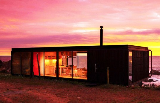 Felipe Assadi, modular home, Remote House, Casa Remota, The Transportable, Chile, Chilean architecture, prefab home