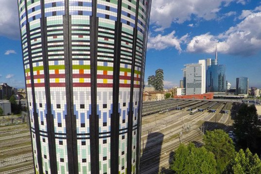 Torre Arcobaleno, Expo 2015, Milan, Studio Original Designers 6R5 Network, ceramic tiles, rainbow tower, Milan city council, milan rainbow tower, Marazzi, LEED certified tiles, water tower