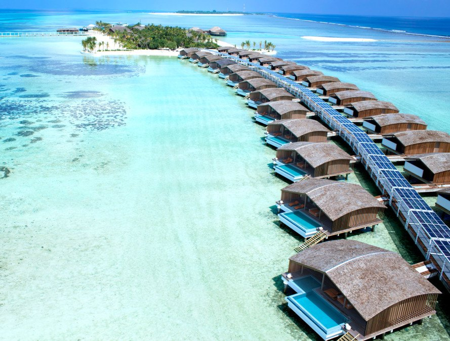 solar power, green travel, eco travel, luxury hotels, luxury resort, sustainability, eco tourism, responsible travel, solar panels, desalination, water issues