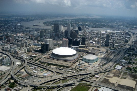 new orleans, hurricane katrina, army corps of engineers, levees, flood wall, storm surge, flooding, flood protection, the lens