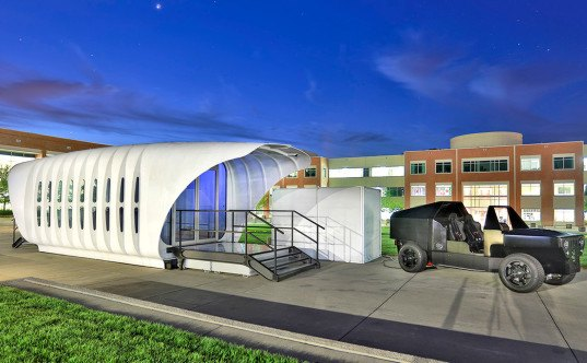 AMIE, SOM, 3d-printed building powered by a car, Department of Energy, Oak Ridge National Lab, ORNL 3d-printed car, building integrated photovoltaics, 3d-printed structure powered by a car, SOM 3d-printed building, SOM-designed 3D-printed building powered by a car, houses powered by cars, University of Tennessee house and car design with DOE