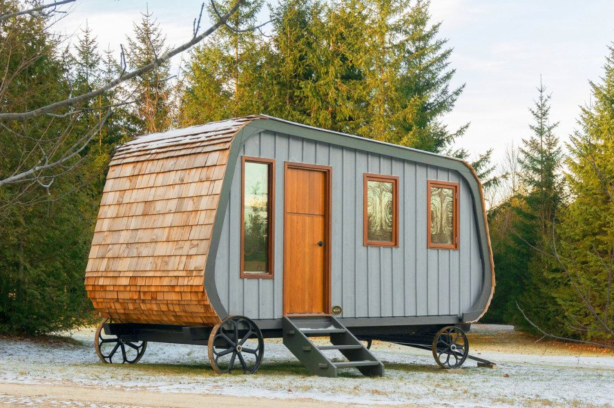 Tiny Collingwood Shepherd Hut On Wheels Is Inspired By 19th Century Mobile Homes