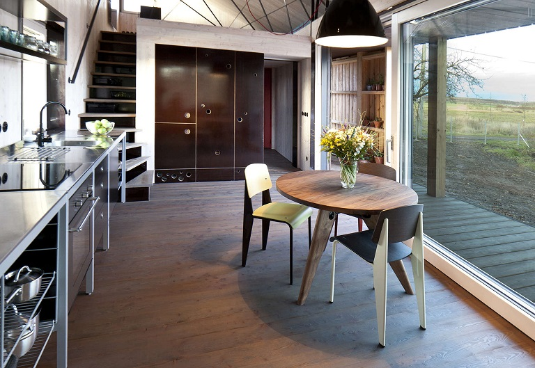 """Spectacular """"Zilvar"""" wooden house was inspired by nature"""