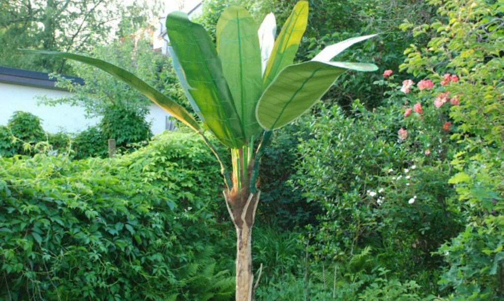 Solar Palms Bring Exotic Solar Lighting In The Shape Of A