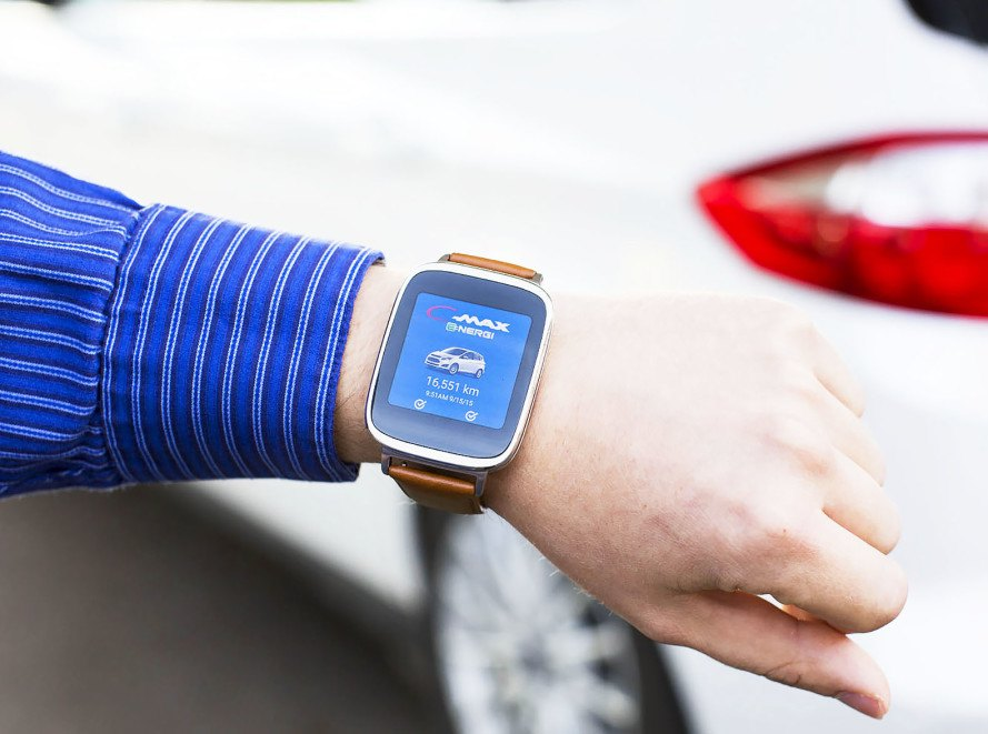 News & Fordu0027s new smartwatch app lets electric car drivers unlock their ... markmcfarlin.com