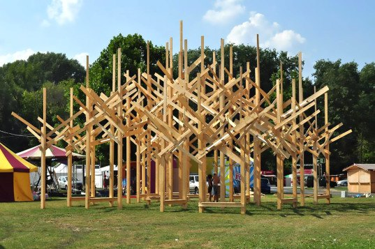 TREEDOM, Atelier YokYok, TREEDOM by Atelier YokYok, Art of Freedom Competition 2015, Sziget Festival, Budapest, geometric wood forest, art installation, Sammode, music festival art, temporary art installation, forest art, Budapest