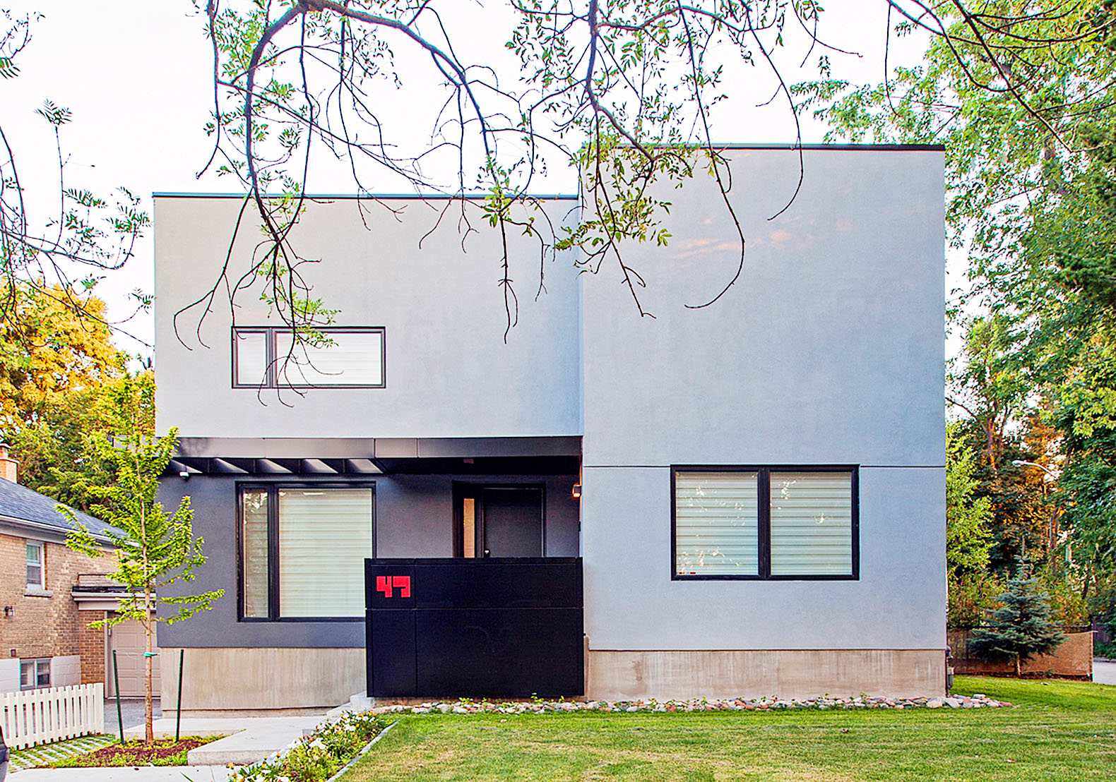 Minimalist Thorax House in Toronto was inspired by human bones, skin and organs