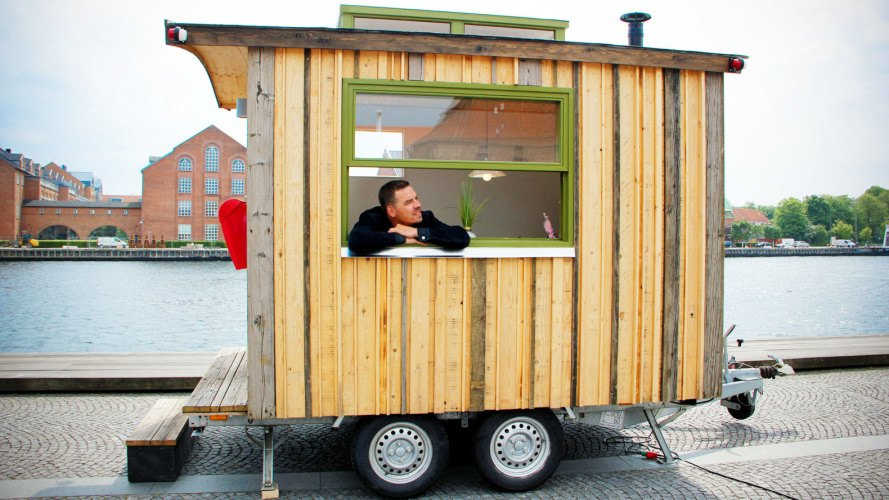 Tiny Workplace On Wheels Can Make Each Day At The Office Different