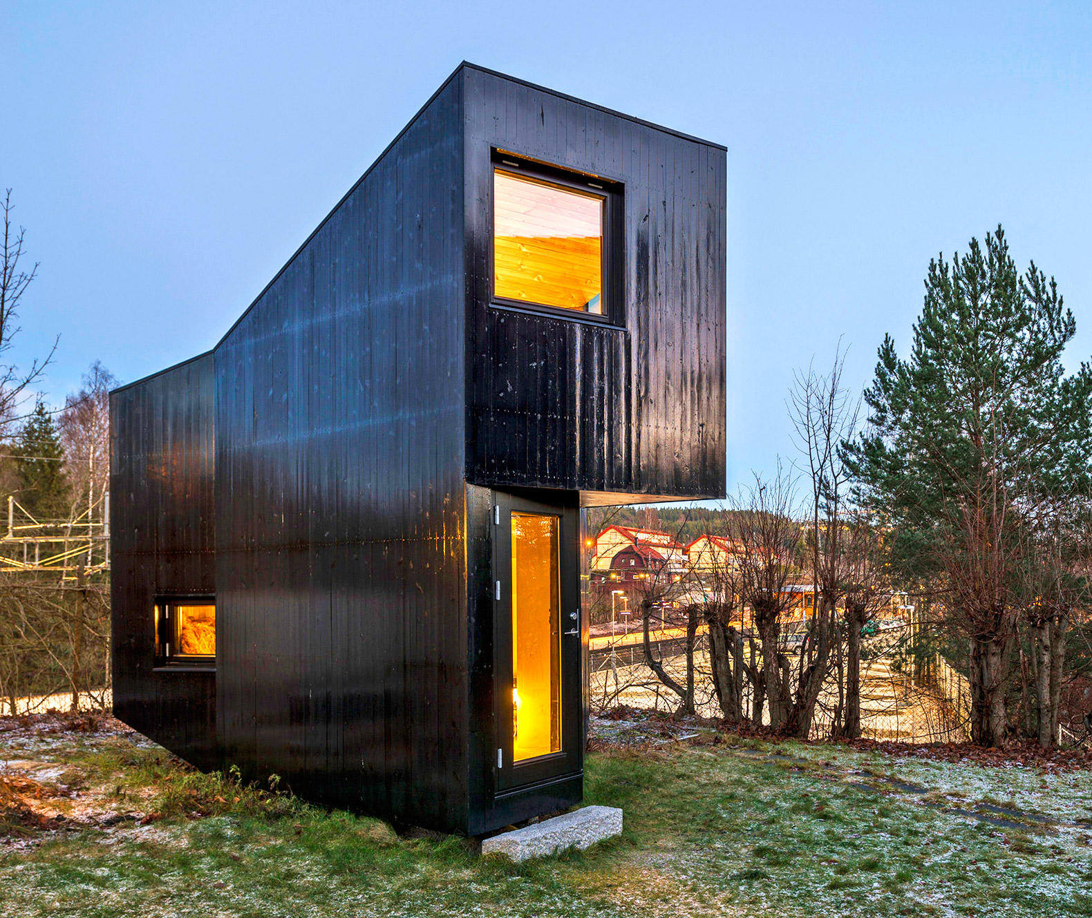 Outstanding Tiny Wedge Shaped Writers Cottage Is The Ultimate Creative Interior Design Ideas Clesiryabchikinfo