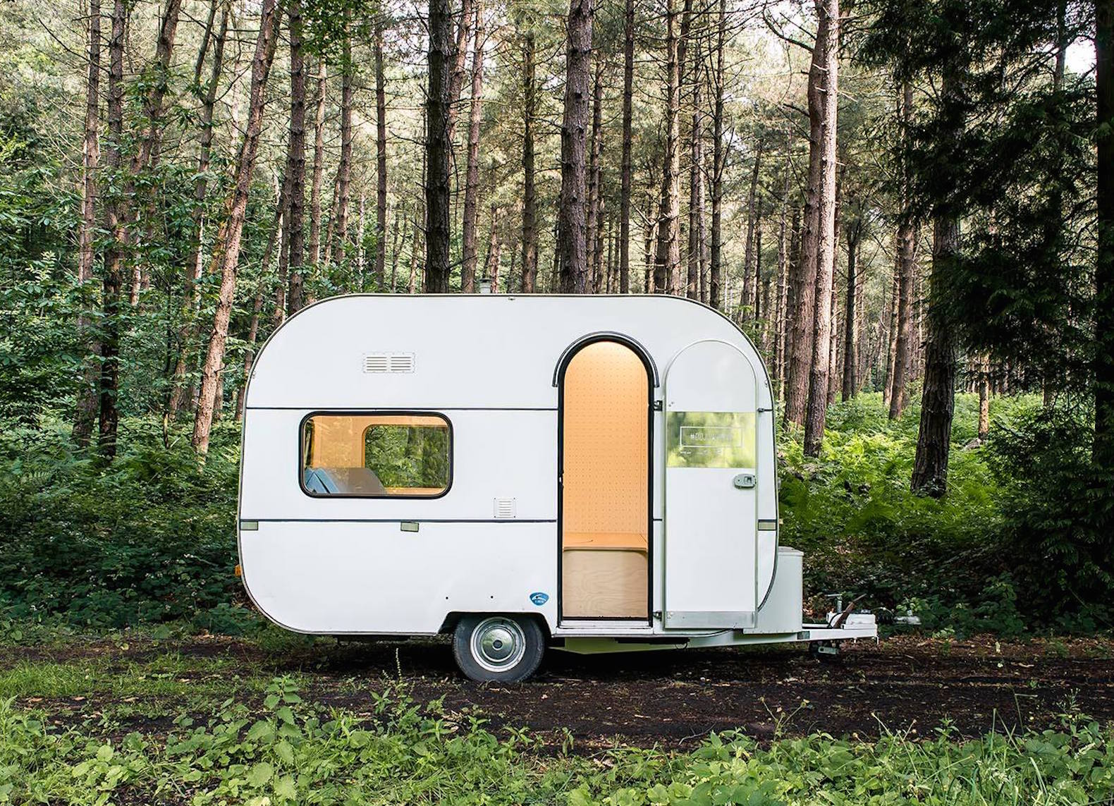 Adorable Dojowheel Camper Combines Bedouin Freedom With Japanese Minimalism