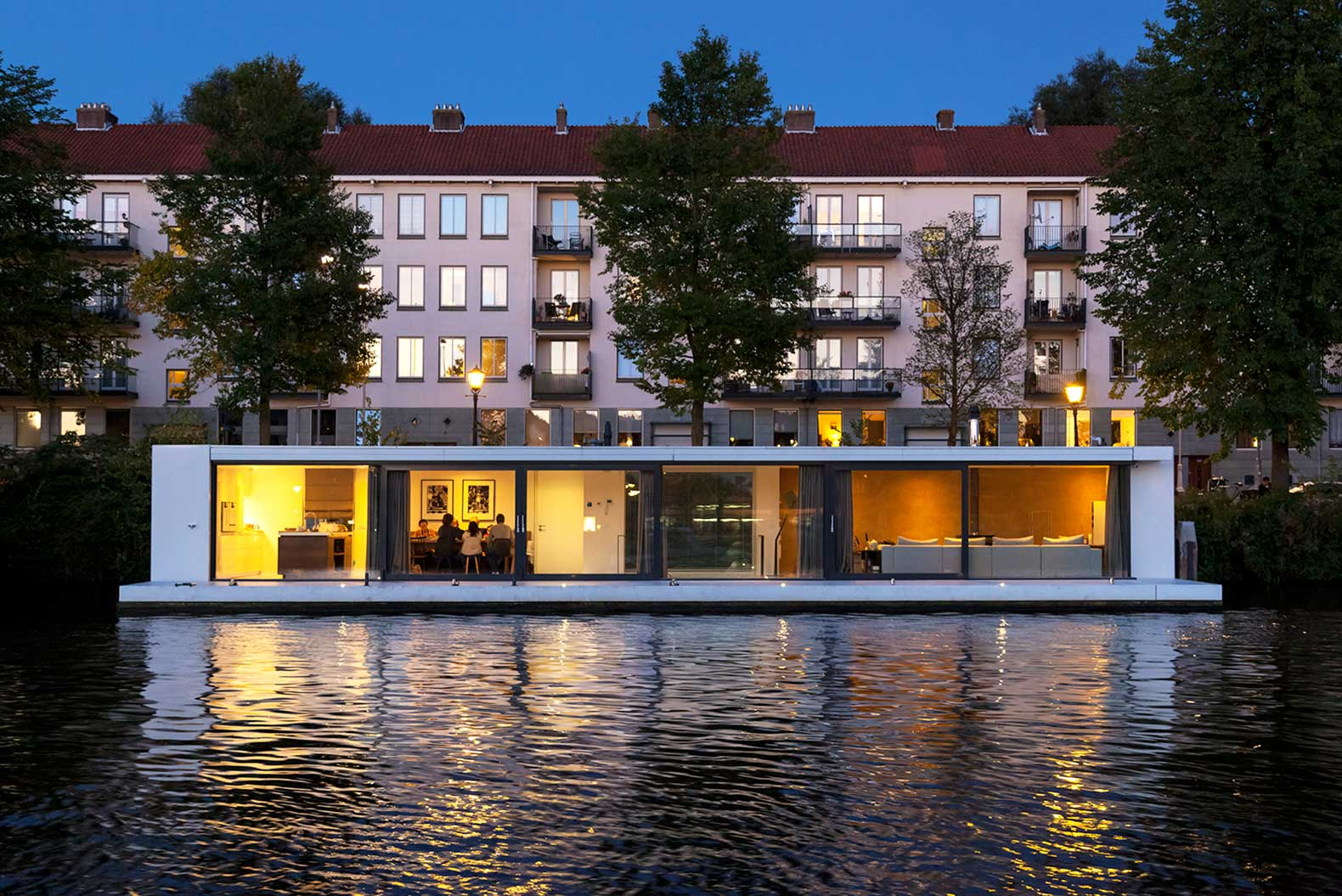 +31 Architectsu0027 Tranquil New Houseboat Is Moored On Amsterdamu0027s Amstel River