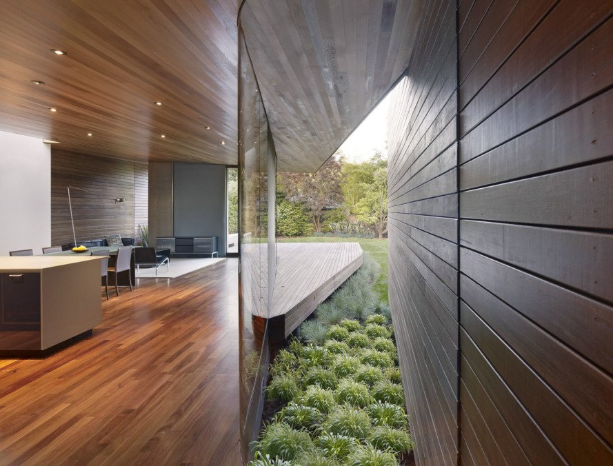 Bal House, Terry&Terry Architecture, green renovation, ranch house, California, timber architecture, bay window, green fireplace, glass facade, natural light
