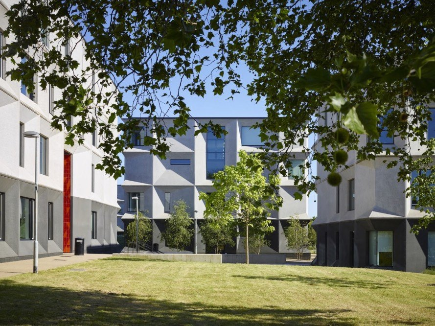 RIBA, RIBA Stirling Prize, Royal Institute of British Architects, Burntwood School, London, Burntwood School by Allford Hall Monaghan Morris, Allford Hall Monaghan Morris, AHMM, Burntwood School by AHMM, school, campus design, modernist design, Morag Myerscough, Sir Leslie Martin
