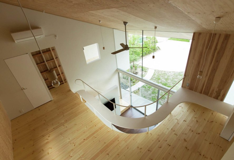 Manta House, Japan, y+M design office, natural ventilation, natural lighting, inner garden, terrace, green architecture, green spaces, family house, Japanese architecture