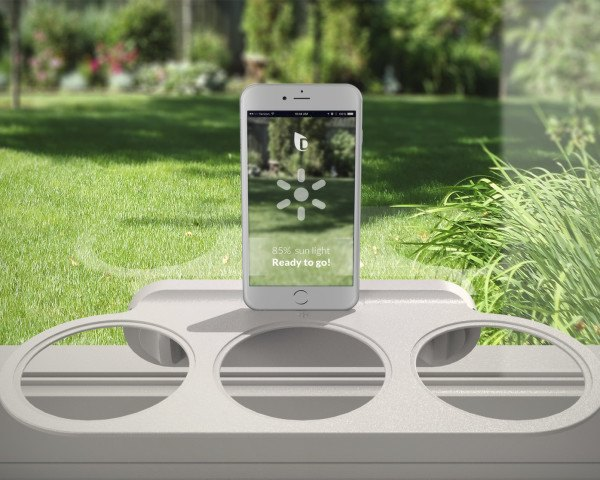 Droponic Is A Smart Garden That Lets You Grow Food In Even The