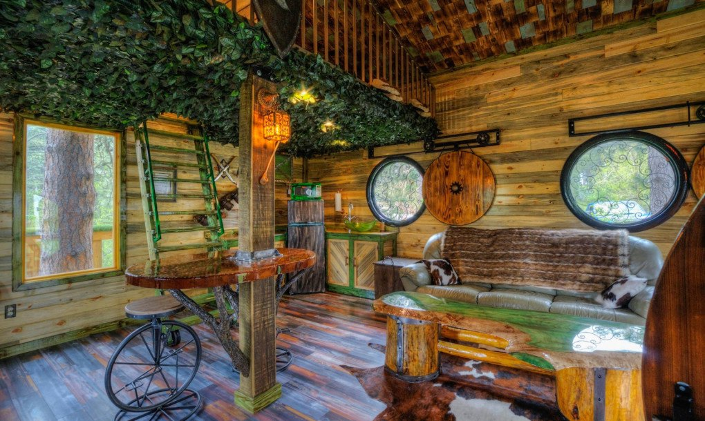 This Incredible Hobbit Treehouse Is A Tolkien Fan S Dream