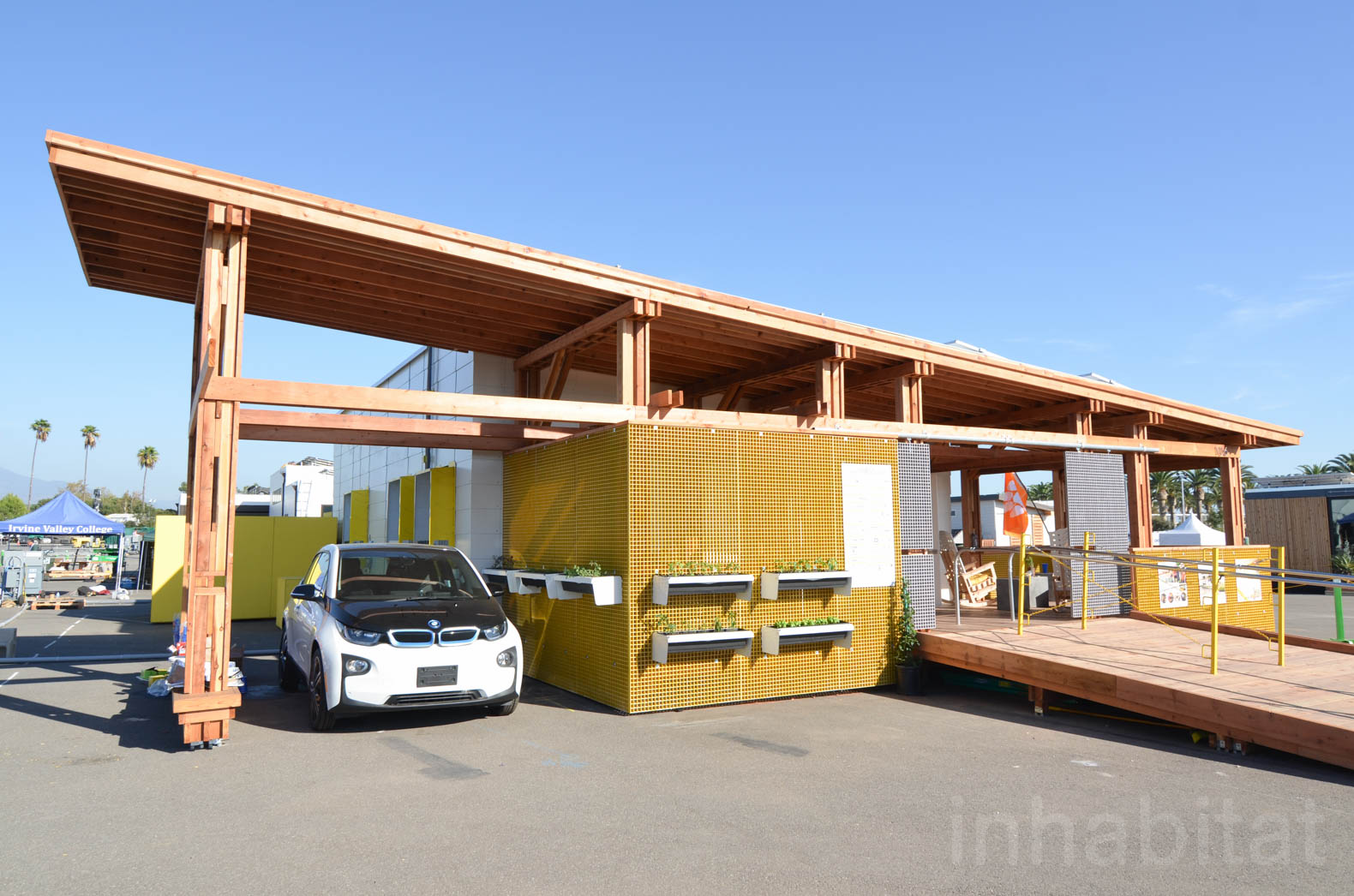 """This tiny """"e-mailable"""" solar house snaps together like a 3D puzzle without a single nail"""