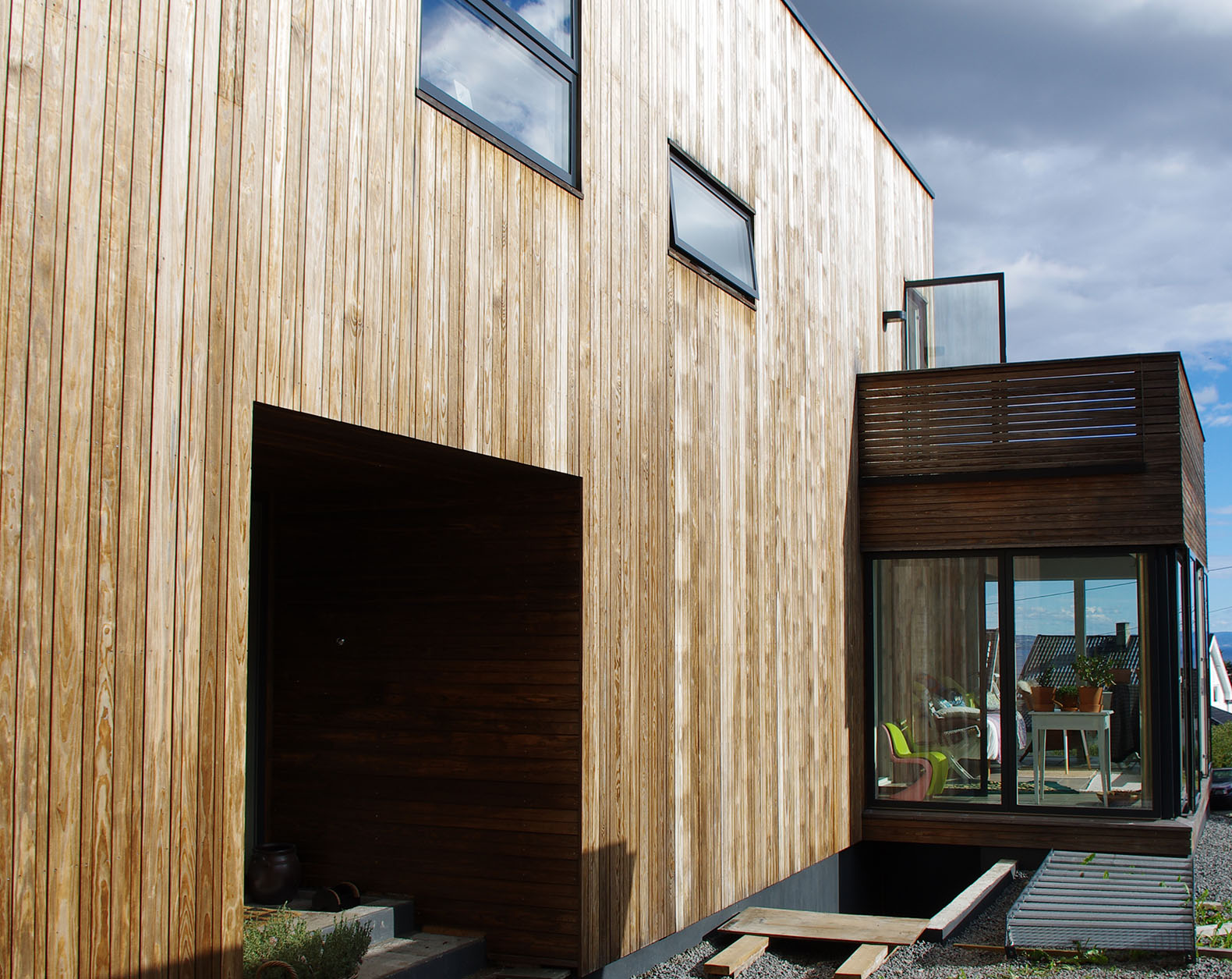 76 year old funkis home in norway gets a passive house for Norway wooden houses