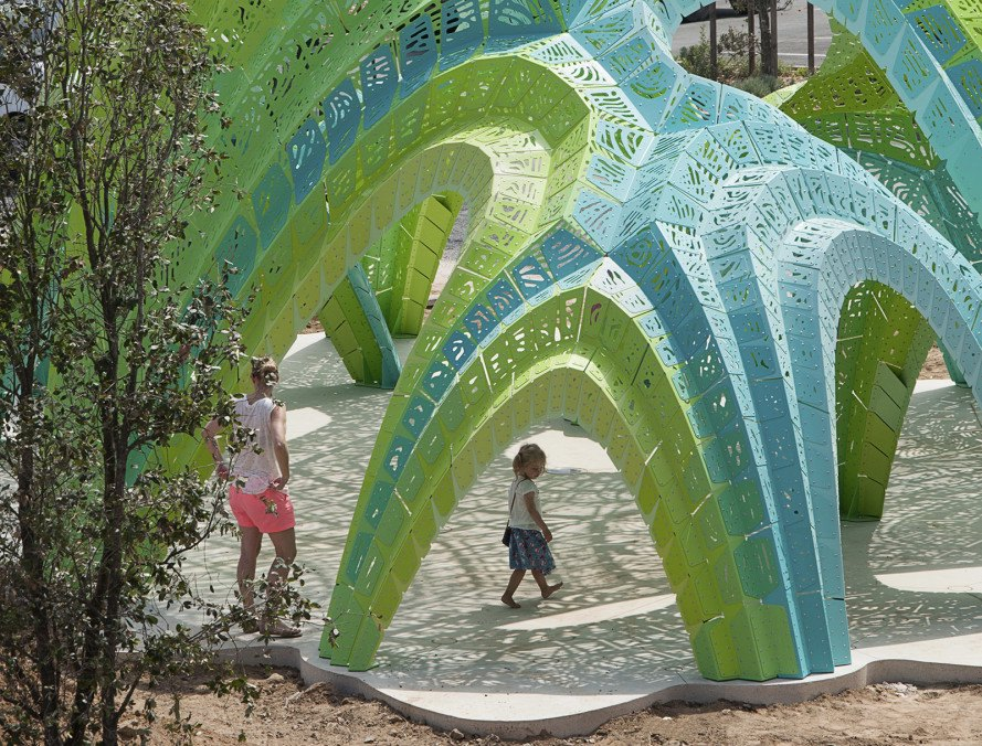 temporary pavilion, Pleated Inflation, informal architecture, amphitheater, Marc Fornes/Theverymany, France, New York architects, lightweight structure, self-supported structure, pavilion