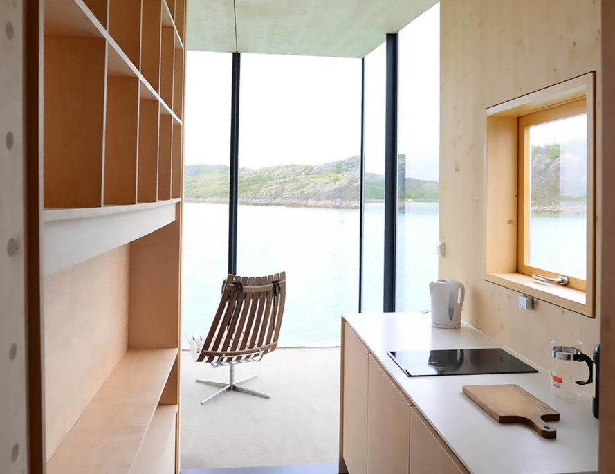 Manshausen Island, Steigen Archipelago, Norway, Barents Sea, Stinessen Arkitektur, Manshausen Island Resort by Stinessen Arkitektur, Manshausen Island Resort, cabin, larch cabin, timber cabin, cantilevered architecture