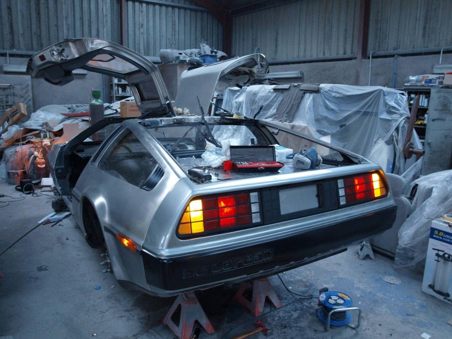 back to the future, #backtothefutureday, delorean, marty mcfly, queens university belfast, qub, all-electric delorean, electric delorean, stanford university, self-drifting DeLorean, clothes-fueled DeLorean, fuel from recycled clothing, fuel from recycled cloth