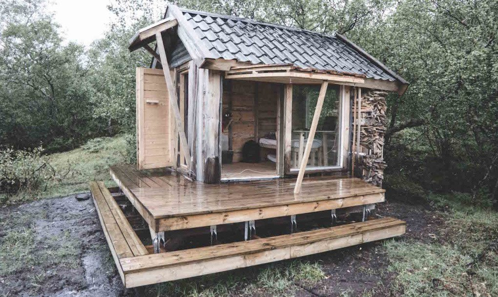 Architecture Student Builds A Tiny Solar Powered Cabin