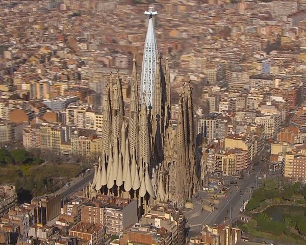 La Sagrada Familia Enters Final Phase Of Construction Will Be Finished In Time For Gaudi S Death Centennial
