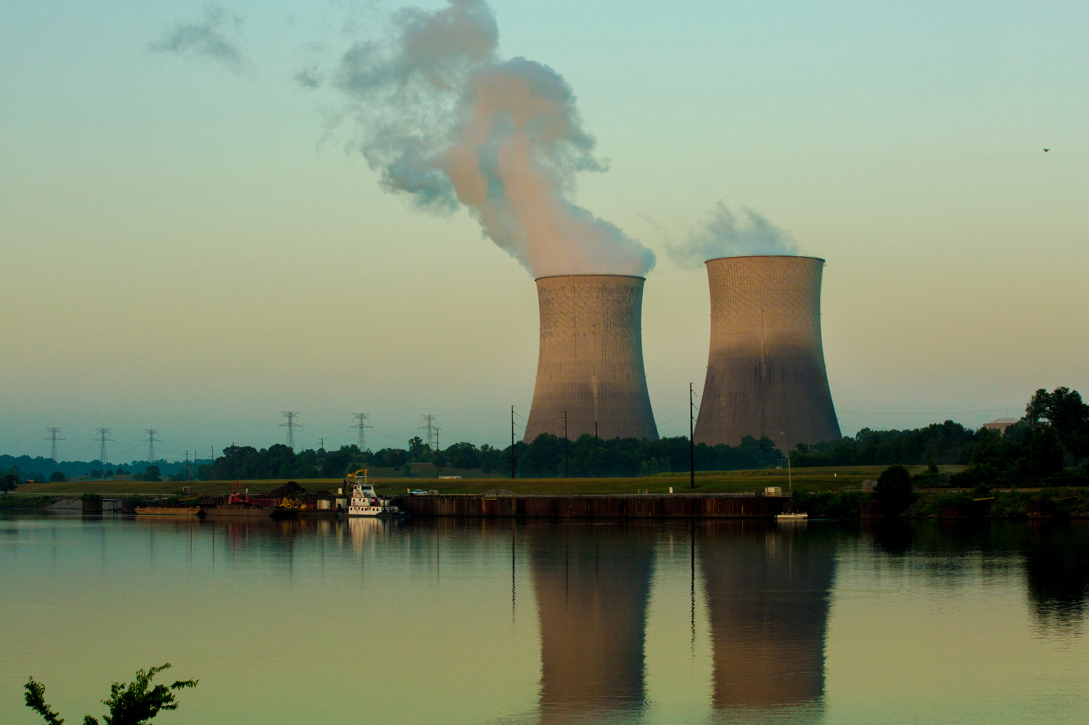 nuclear power To some, nuclear energy offers a clean energy alternative that frees us from the shackles of fossil fuel dependence to others, it summons images of disaster: quake-ruptured japanese power plants belching radioactive steam, the dead zone surrounding chernobyl's concrete sarcophagus but what happens.