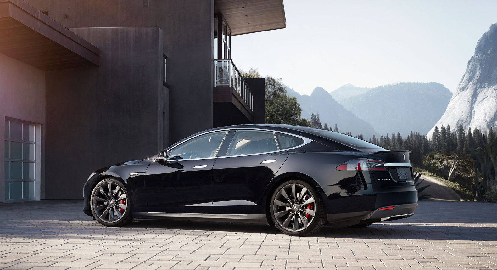 Tesla is working on an electric motor that lasts a million miles