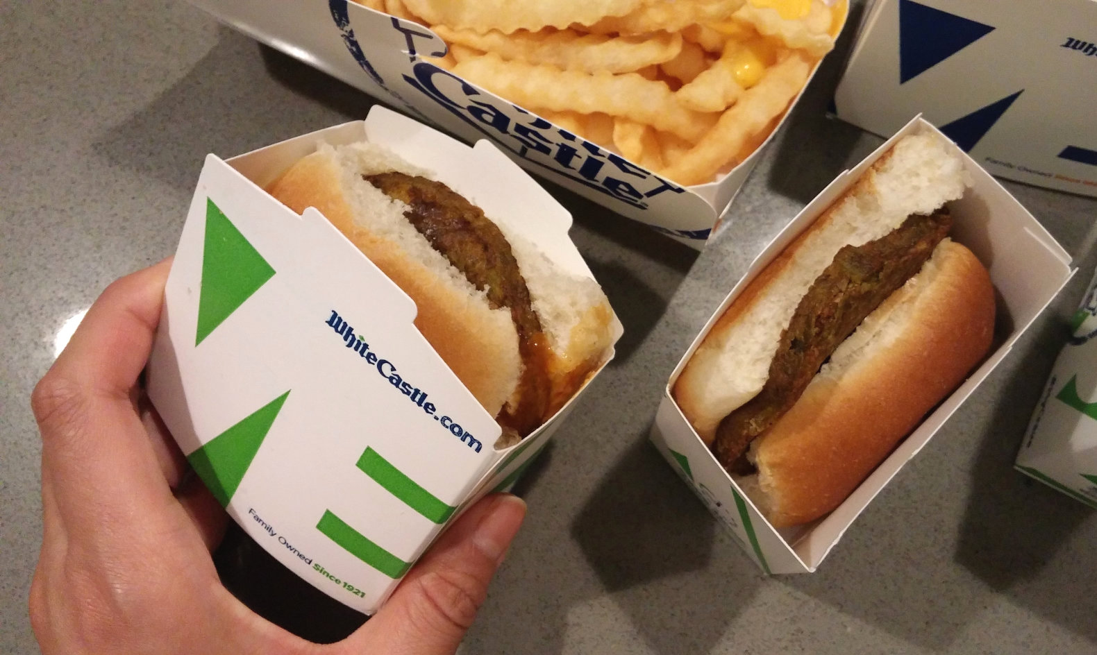White castle switches to a vegan bun for all its tiny sandwiches white castle veggie slider vegan vegetarian vegan fast food vegan hamburger forumfinder Gallery